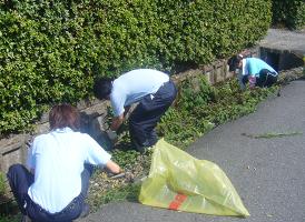 紺藤織物のCSR活動「近隣道路清掃活動2」